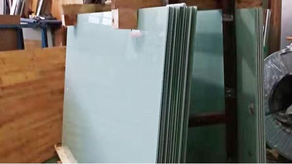 钢化磁性玻璃白板运输到内蒙古可以吗?-[优雅乐]