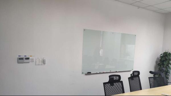办公玻璃白板除了会议书写,还有什么作用?-优雅乐