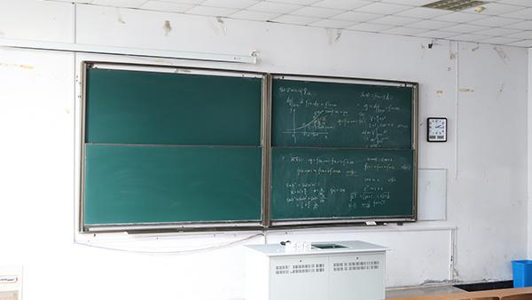 优雅乐告诉你教学黑板擦不干净的原因是什么