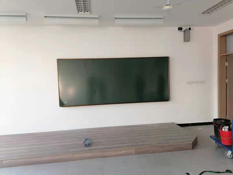 单块升降黑板